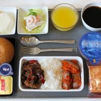 プラナカン料理の機内食