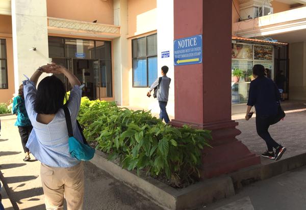 カンボジア入国