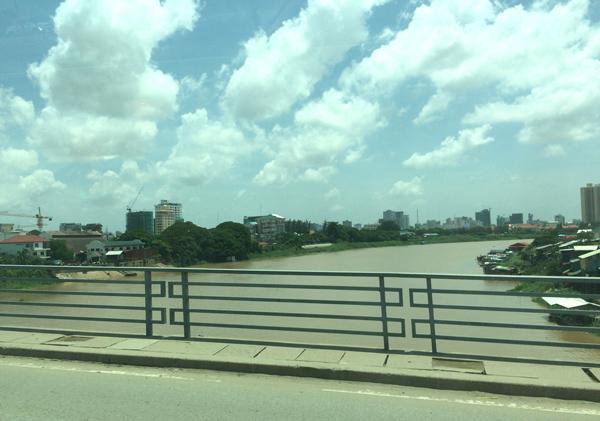 バサック川