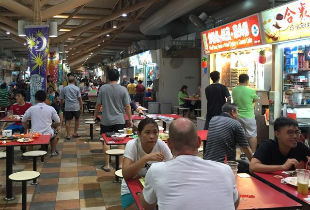 シンガポールのホーカーの様子