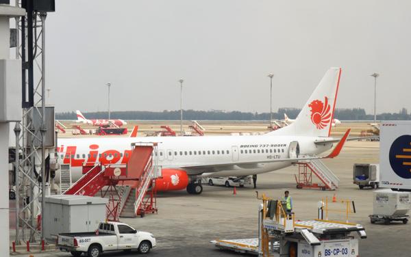 ドンムアン空港に駐機中のタイ・ライオンエア機