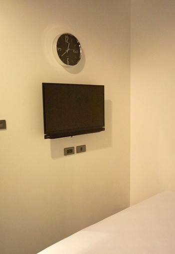 液晶テレビ、時計など