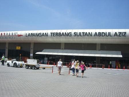 スバン空港