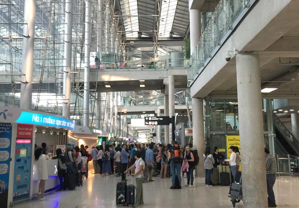 スワンナプーム国際空港の到着ホール