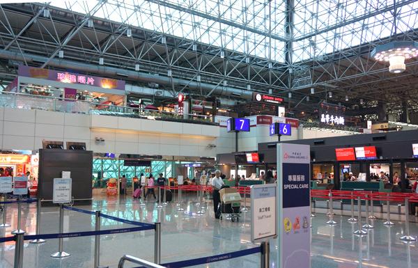 台北桃園国際空港ターミナル2内の様子