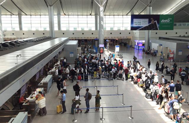 タンソンニャット空港国際線ターミナル