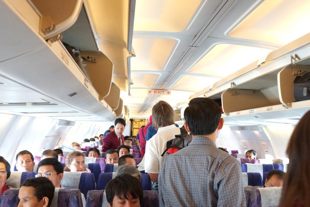 TG581便機内の様子