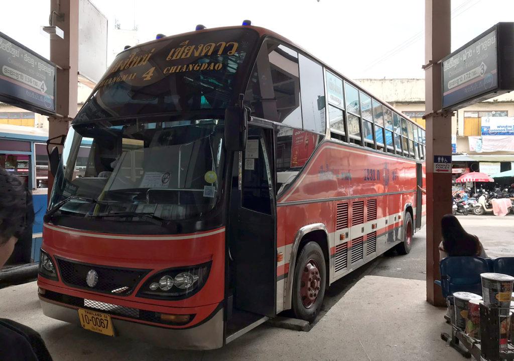 タートン行きの路線バス