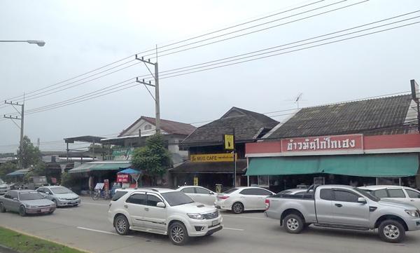 チェンマイ市内を走行中