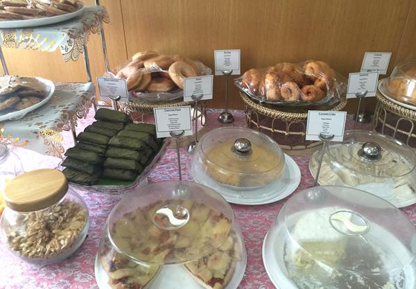 サンドウィッチ、パン、ケーキなど
