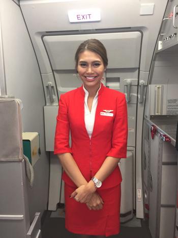 タイ・エアアジアのフライトアテンダント
