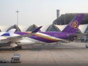 スワンナプーム空港に駐機中のタイ国際航空機