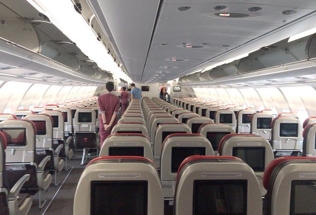 タイ・ライオンエアのエアバスA330型機 エコノミークラスの様子