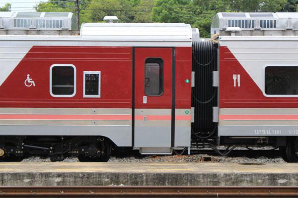 タイ国鉄の新型車両