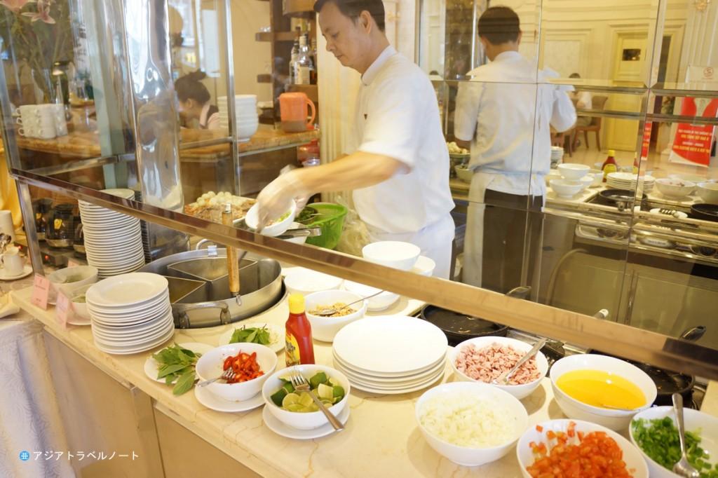 タンハイロンホテルの朝食の様子