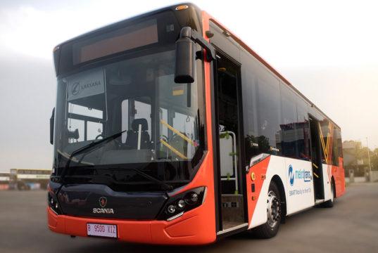 トランスジャカルタのバス