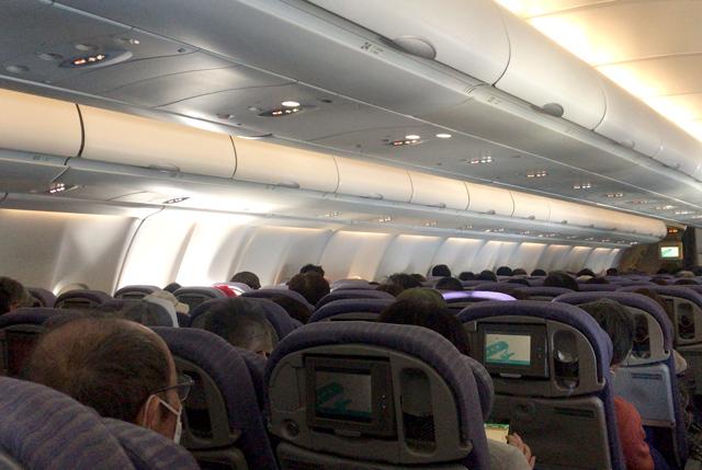 台北発バンコク行きチャイナエアラインの機内で