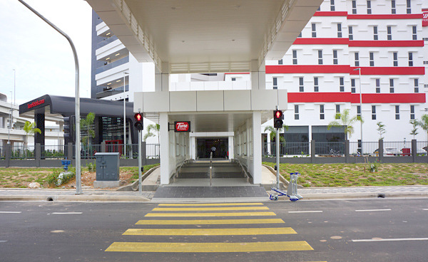 チューンホテルKLIA2エントランス