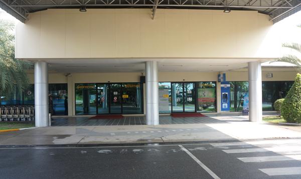ターミナル外観