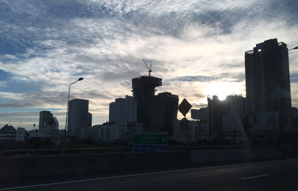 早朝のバンコク