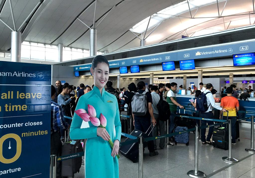 ベトナム航空のチェックインカウンター