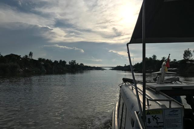 チャウドック~プノンペン間のボート