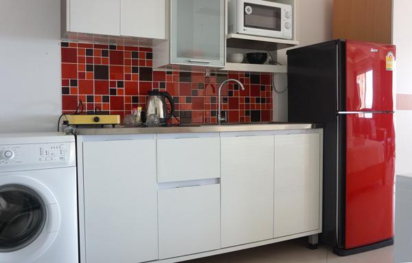 キッチン、冷蔵庫、電子レンジ、洗濯機など