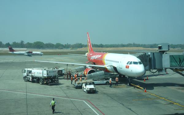 ヤンゴン国際空港に到着