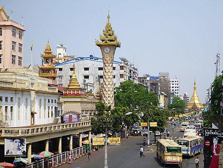 ヤンゴン市内の街並み