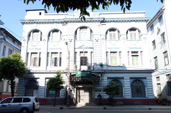 ヤンゴンに残るコロニアル建築
