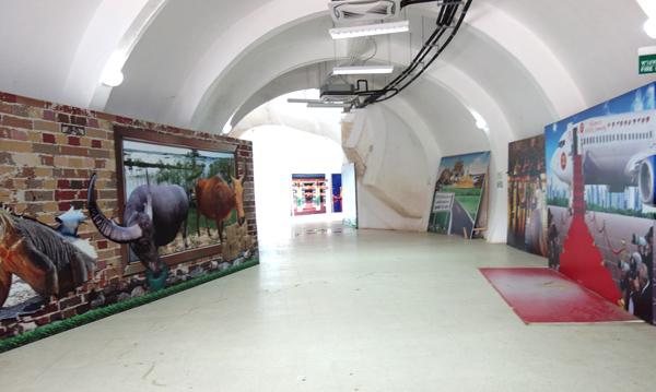 巨大ナーガ像の内部